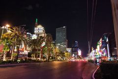 Casinos de Las Vegas na noite imagens de stock