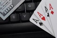 Casinos virtuales, dinero real fotografía de archivo