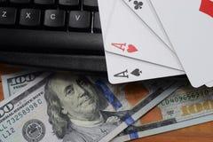 Casinos virtuales, dinero real imagenes de archivo