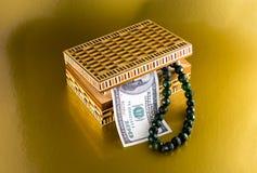 Casket för att lagra smycken, smycken och smycken royaltyfria bilder