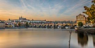 Casle和查理大桥布拉格-艺术 库存图片