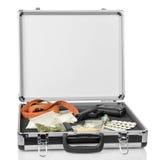 Caso con soldi, la pistola e le droghe Fotografia Stock