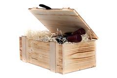 Caso di legno con vino Fotografia Stock