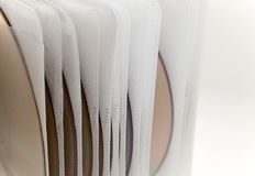 Caso plástico con los ficheros de disco Fotografía de archivo libre de regalías