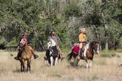 CASPER, WY__CIRCA LUGLIO 2015__Soldiers e rievocazione degli indiani a Casper, Wy circa luglio 2015 Fotografie Stock