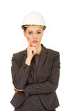 Casque blanc de port de femme d'affaires d'architecte Photo stock