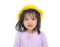 Casque de bébé de sécurité asiatique de sourire et de port image libre de droits