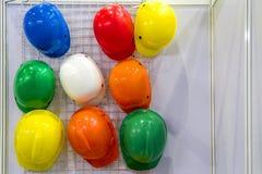 Casque multicolore accrochant plus de Images libres de droits