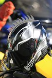Casque noir de moto avec le peigne en plastique décoratif photo stock
