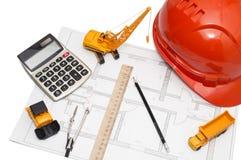 Casque orange, règle, crayon, dessin, matériel de construction Images libres de droits