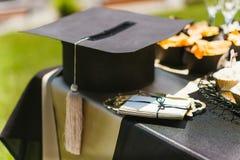 Casquillo académico del cuadrado para la graduación foto de archivo