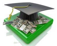 Casquillo de la graduación en el dinero de los E.E.U.U. - costes de educación Fotografía de archivo