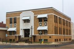 Cass County kontorsbyggnad i linden, TX royaltyfri fotografi