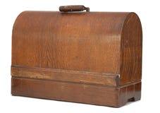 Cassa antica della macchina per cucire Immagine Stock