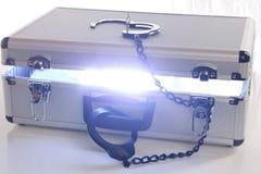 Cassa blu di energia con la serratura aperta Fotografie Stock