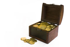 Cassa di tesoro con soldi all'interno Immagini Stock