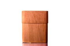 Cassa per i sigari su un fondo bianco isolato Immagine Stock