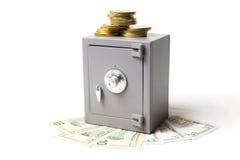 Cassaforte, soldi e monete Fotografia Stock Libera da Diritti