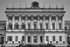 Cassano D ` Adda Milan, Italien: Villa Borromeo royaltyfri foto