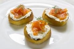 Casse-croûte avec des saumons Photos stock