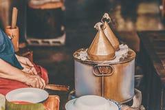 Casse-croûte cuit à la vapeur thaïlandais ou Khao Kriab Pak Moh Pot de boulettes de Riz-peau photo libre de droits
