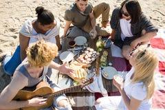 Casse-croûte sur la plage Image libre de droits