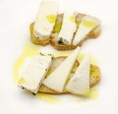 Casse-croûte de pain et de fromage de chèvre Image stock