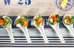 Casse-cro?te de poissons - Fingerfood avec des saumons image stock