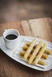 Casse-croûte espagnol traditionnel de chocolat et de churros Image stock