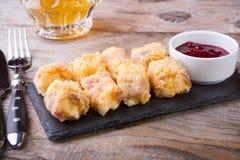 Casse-croûte frit de fromage Photos libres de droits