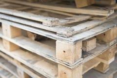 Casse di legno del residuo per riciclare Fotografie Stock
