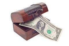 Casse di tesoro isolate su priorità bassa bianca Immagini Stock Libere da Diritti