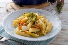 Casserole ζυμαρικών με τα λαχανικά Στοκ Φωτογραφία