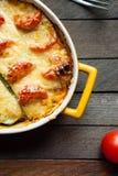 Casserole κολοκύνθης με το τυρί και τις ντομάτες Στοκ Φωτογραφία