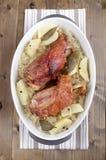 Casserole με την άρθρωση του χοιρινού κρέατος Στοκ Εικόνα