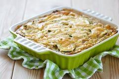 Casserole με το λάχανο και τα κολοκύθια Στοκ εικόνες με δικαίωμα ελεύθερης χρήσης