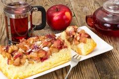 Casserole τυριών εξοχικών σπιτιών με τα μήλα Στοκ εικόνες με δικαίωμα ελεύθερης χρήσης