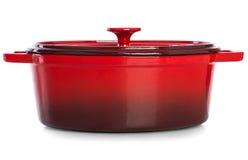 Casserole rouge pour faire cuire le repas quotidien Image libre de droits