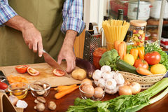 casserole som lagar mat läckert home hemlagat recept royaltyfri fotografi