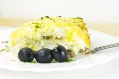 Casseruola con il formaggio della patata della carne Fotografia Stock