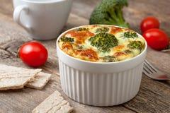 Casseruola dei broccoli con le uova Immagini Stock Libere da Diritti
