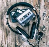 Cassete áudio e fones de ouvido Foto de Stock Royalty Free