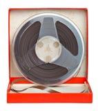 Cassete áudio idosa em uma caixa vermelha Fotografia de Stock Royalty Free