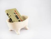 Cassete áudio idosa no fundo branco Imagens de Stock Royalty Free