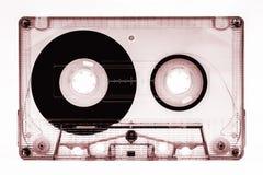 Cassete de banda magnética velha isolada fotografia de stock royalty free