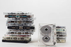 Cassetta, cercante i vecchi pezzi a partire dagli anni 70 Immagine Stock Libera da Diritti
