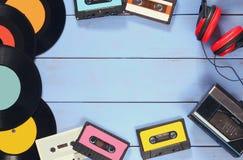 Cassetta, cuffie, annotazioni e vecchio playe del nastro Fotografia Stock