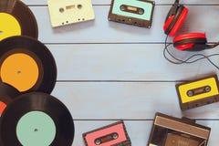 Cassetta, cuffie, annotazioni e vecchio playe del nastro Fotografie Stock Libere da Diritti