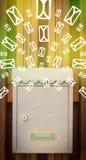 Cassetta delle lettere con le icone della lettera su fondo verde d'ardore Immagini Stock Libere da Diritti