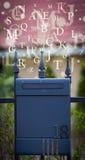 Cassetta delle lettere con le lettere che escono Fotografie Stock Libere da Diritti